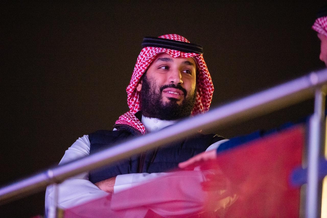 شاهد.. محمد بن سلمان يخطف الأنظار في نزال الدرعية التاريخي